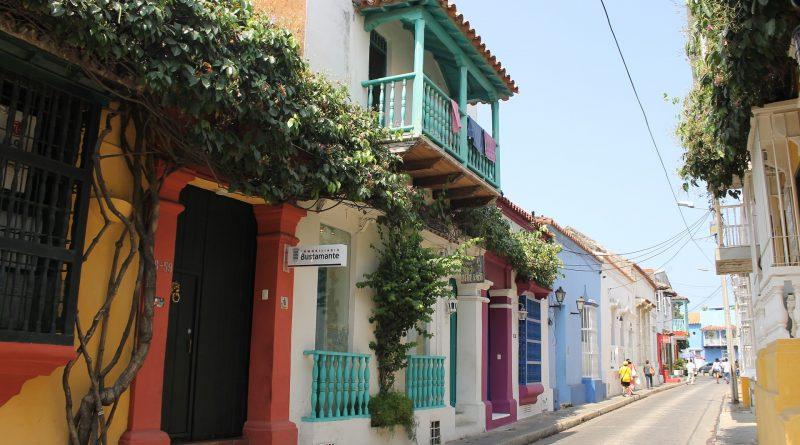 KLM vloog dinsdag 28 maart de eerste vlucht naar de nieuwe bestemming Cartagena, Colombia.