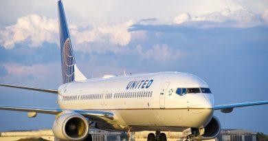 Passagier fysiek verwijderd van overboekte United vlucht