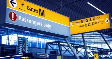 Drukte op Schiphol, tientallen vluchten vertraagd