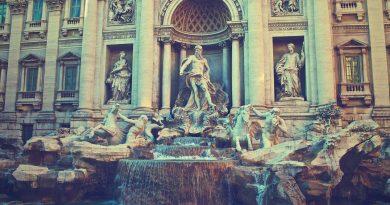Trevi fontein haalt1,4 miljoen euro op