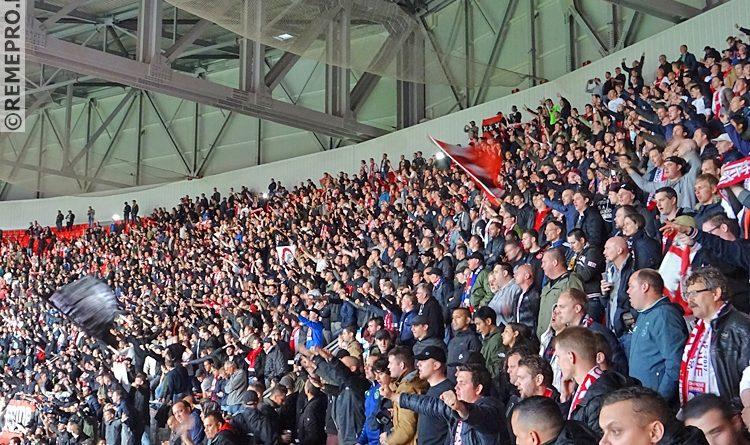 Ajax-fans massaal met de bus naar Stockholm