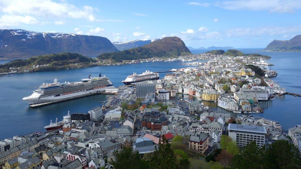 Alesund Noorwegen cruisen