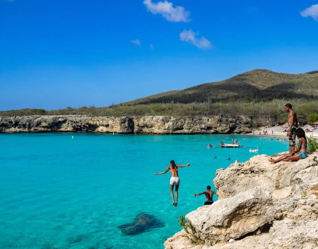 Het relaxte strandleven op Curaçao