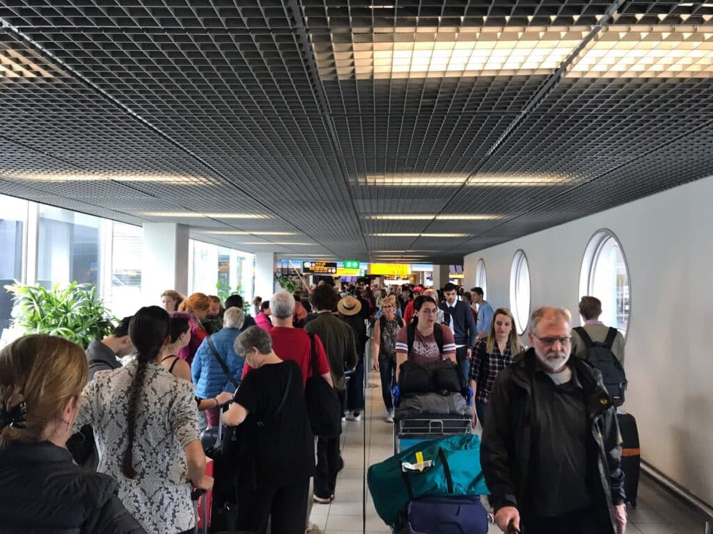Schiphol ontvangt recordaantal reizigers