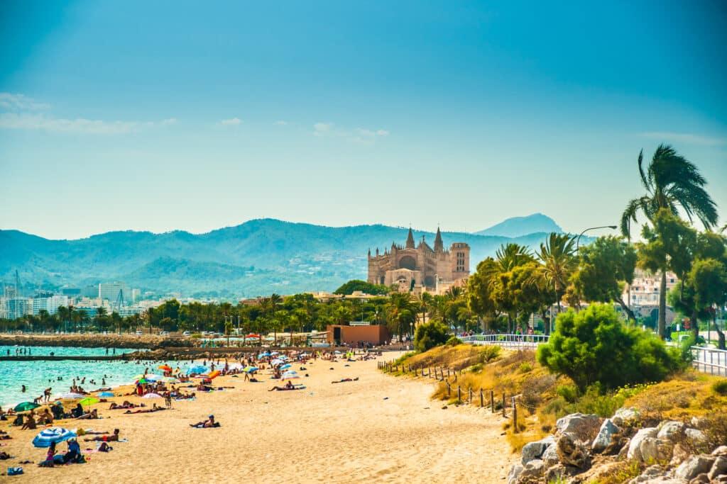 Mallorca gaat de strijd aan met 'zuiptoerisme'
