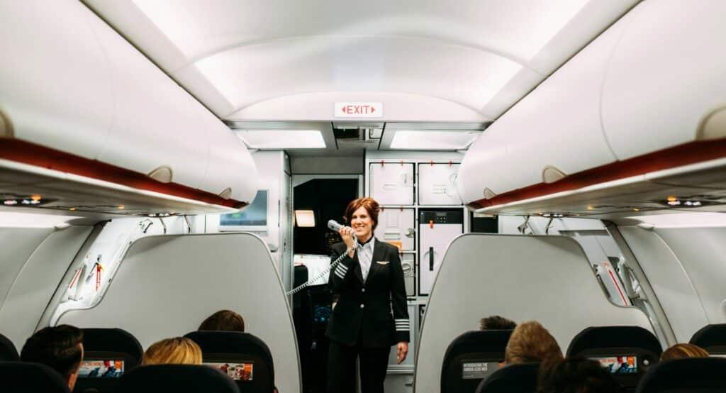 easyJet verrast 50 miljoenste passagier met vliegtickets