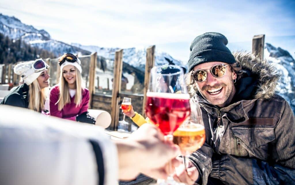 Expedia: Nederlanders grootste feestbeesten tijdens wintersport