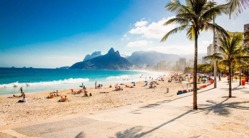 Zorgeloos dagje strand dankzij zandvrij strandlakenZorgeloos dagje strand dankzij zandvrij strandlaken