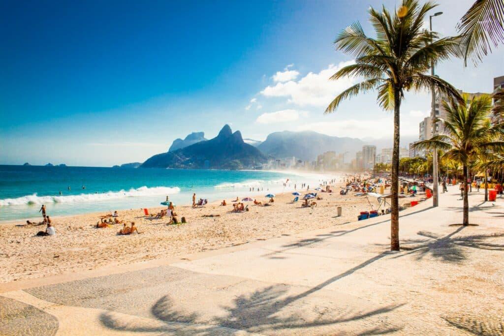 Zorgeloos dagje strand dankzij zandvrij strandlaken