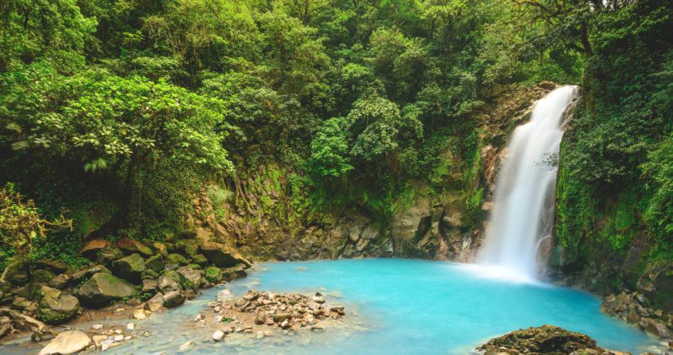7x de meest indrukwekkende watervallen in Costa Rica