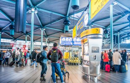 Dit weekend naar Schiphol? Beter niet met het OV