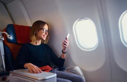 KLM lanceert WhatsAppservice voor thuisblijvers