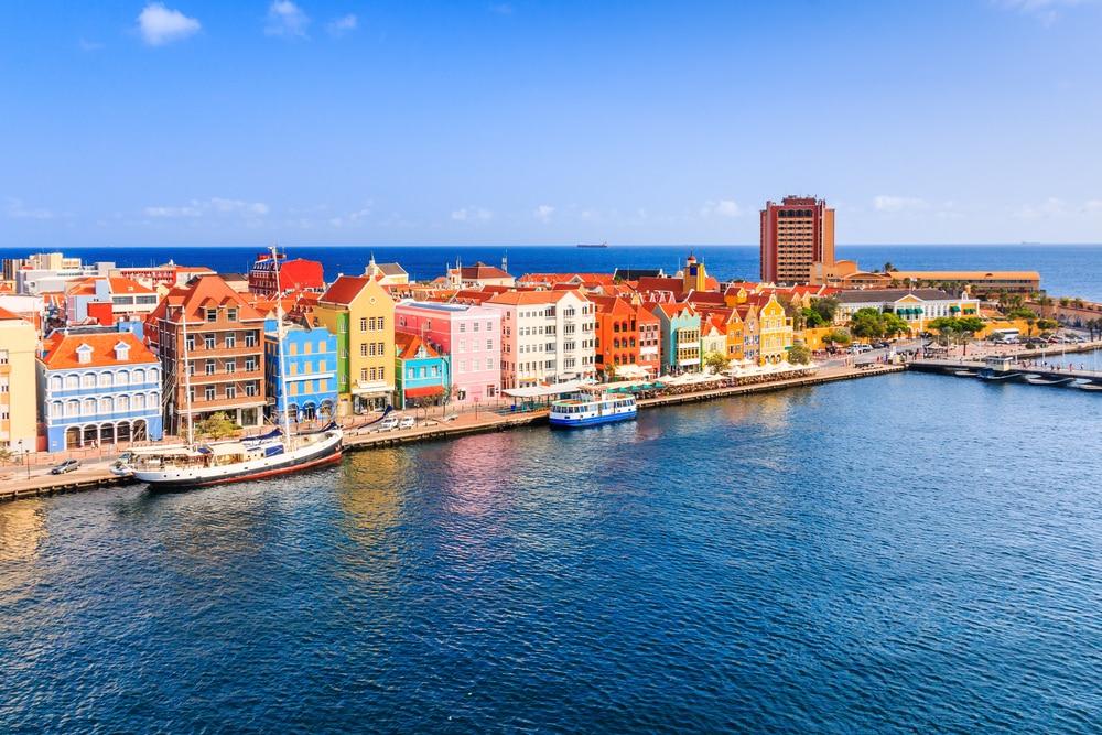 Beleef het beste van zonovergoten Curaçao