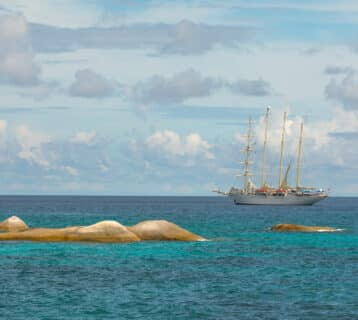 Met de wind in de zeilen: cruisen op een luxe zeilschip