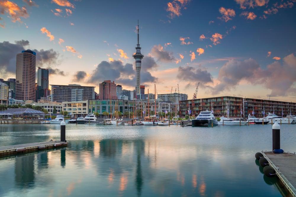 Auckland, Nieuw-Zeeland, bij zonsopgang.