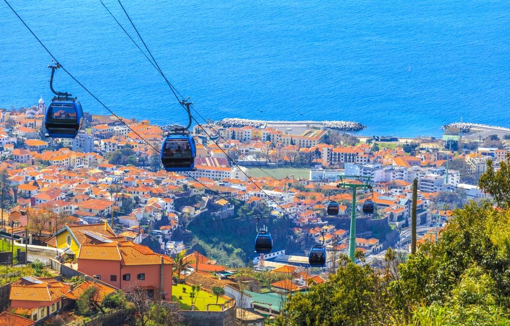 Pak de kabelbaan naar de top in Funchal