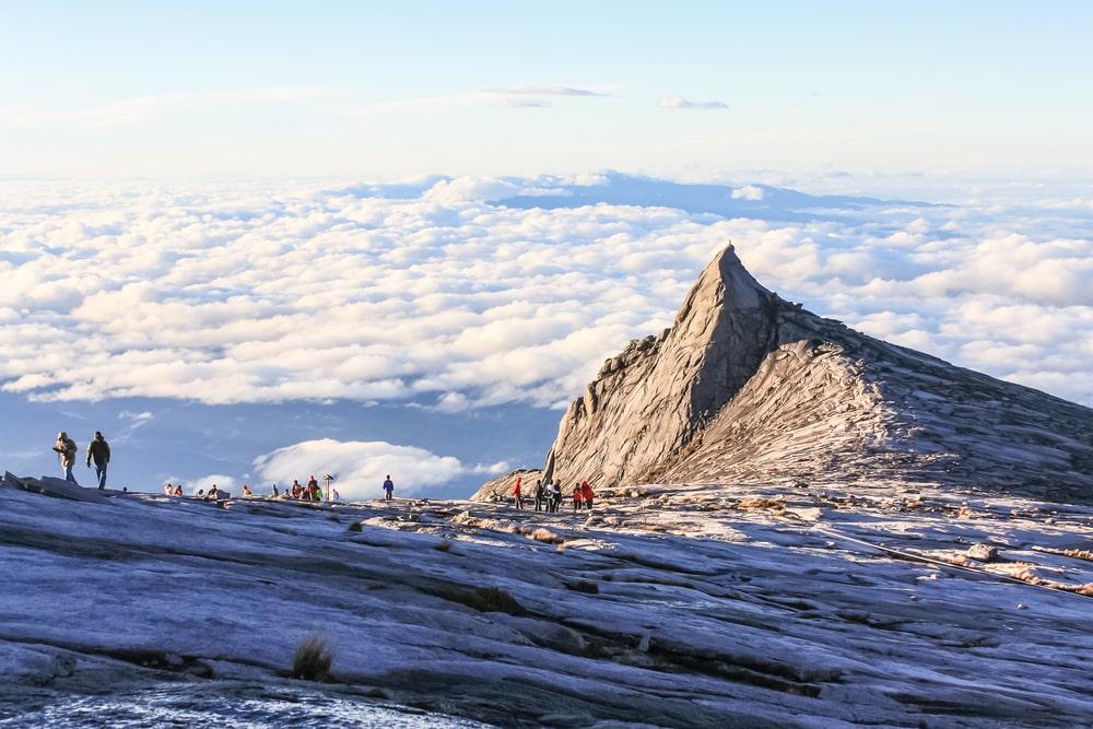 Beklim de heilige berg van Maleisisch Borneo