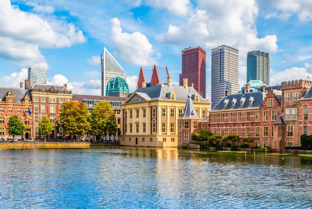 Bezoek de stad Den Haag en combineer het met Scheveningen