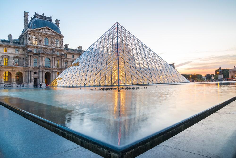 Ga op virtuele tour door het Louvre