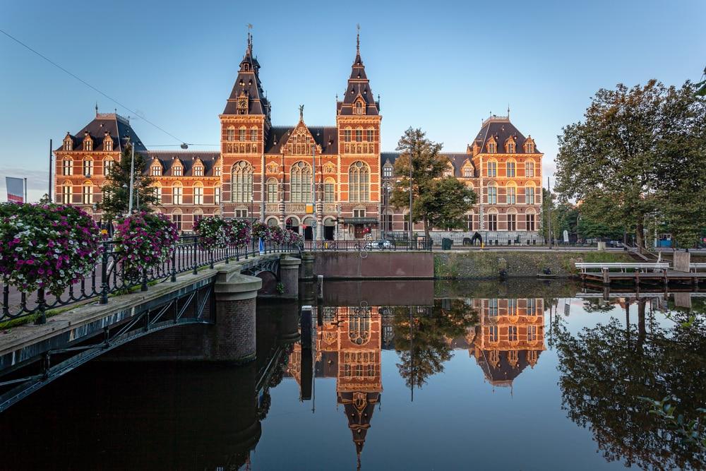Bezoek het Rijksmuseum, maar dan thuis!