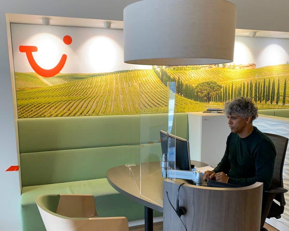 TUI reisbureaus vanaf 6 mei weer gefaseerd open