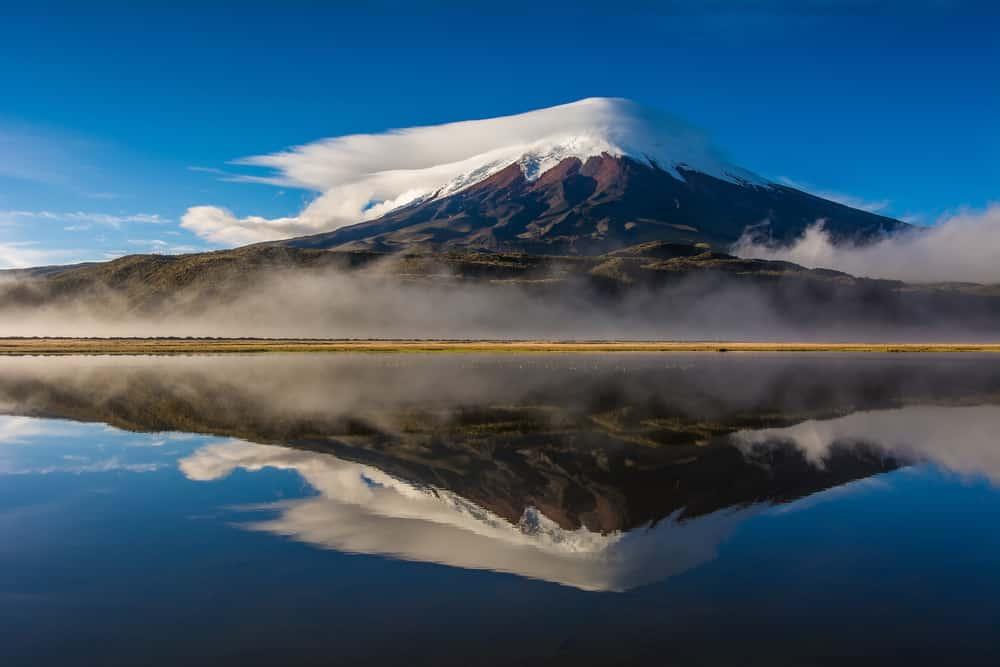 Beklim de vulkaan in het Cotopaxi Nationaal Park