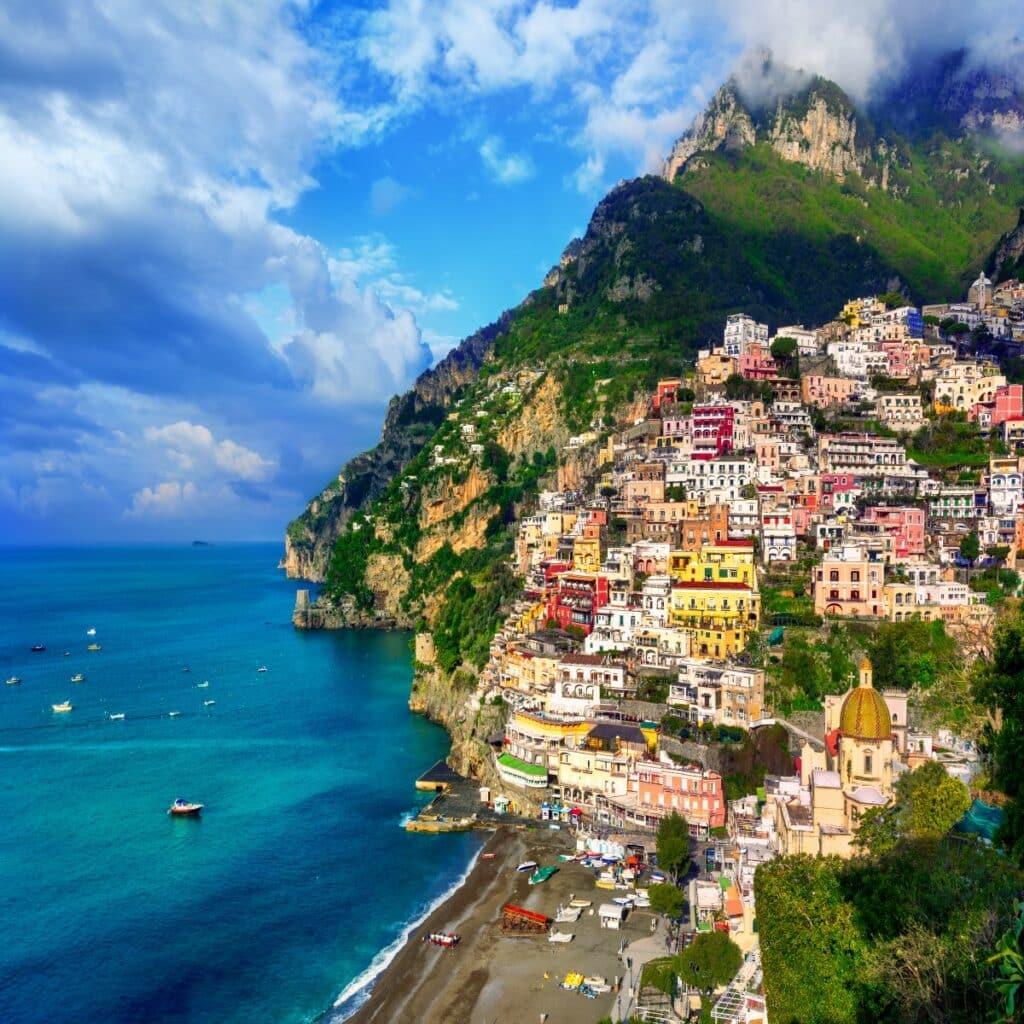 Het kleurrijke dorpje Positano in Italië