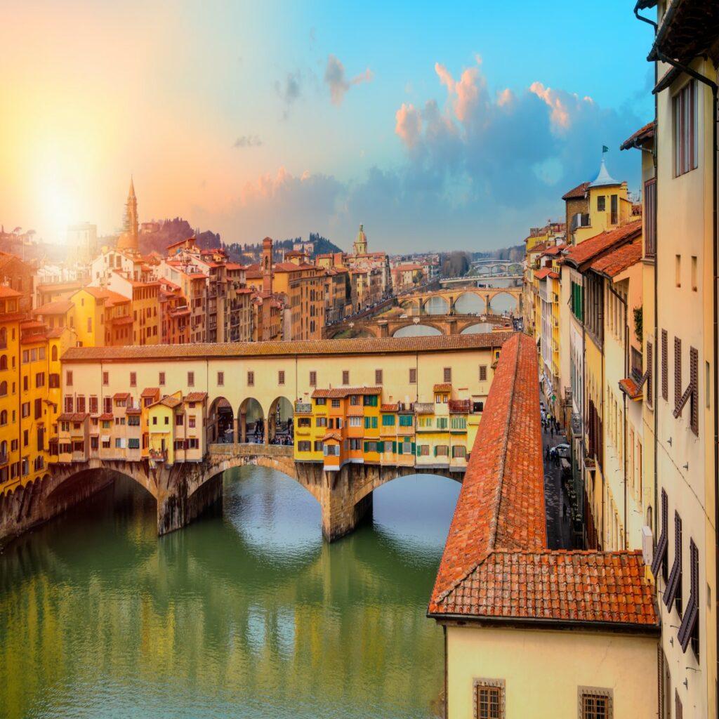 De wereldberoemde brug Ponte Vecchio in Florence