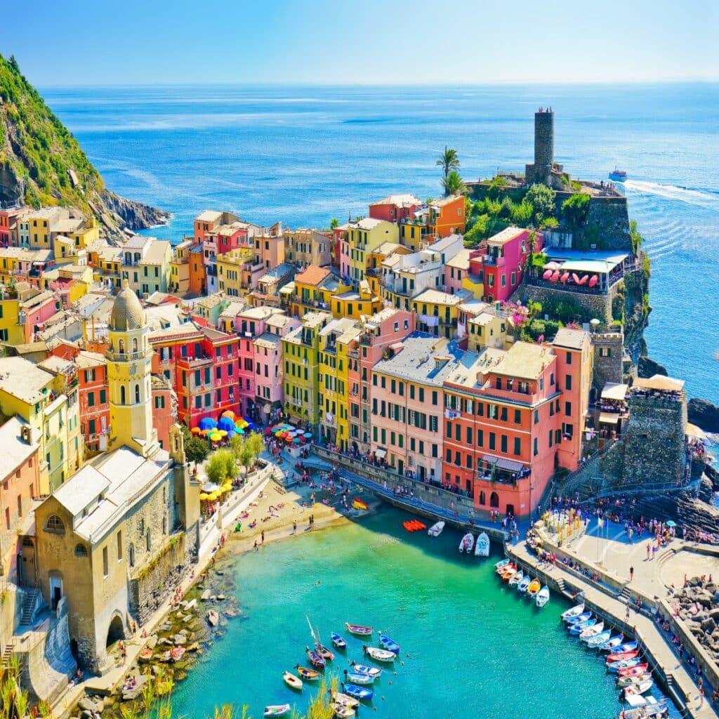 één van de kleurrijke dorpjes in Italië, Vernazza