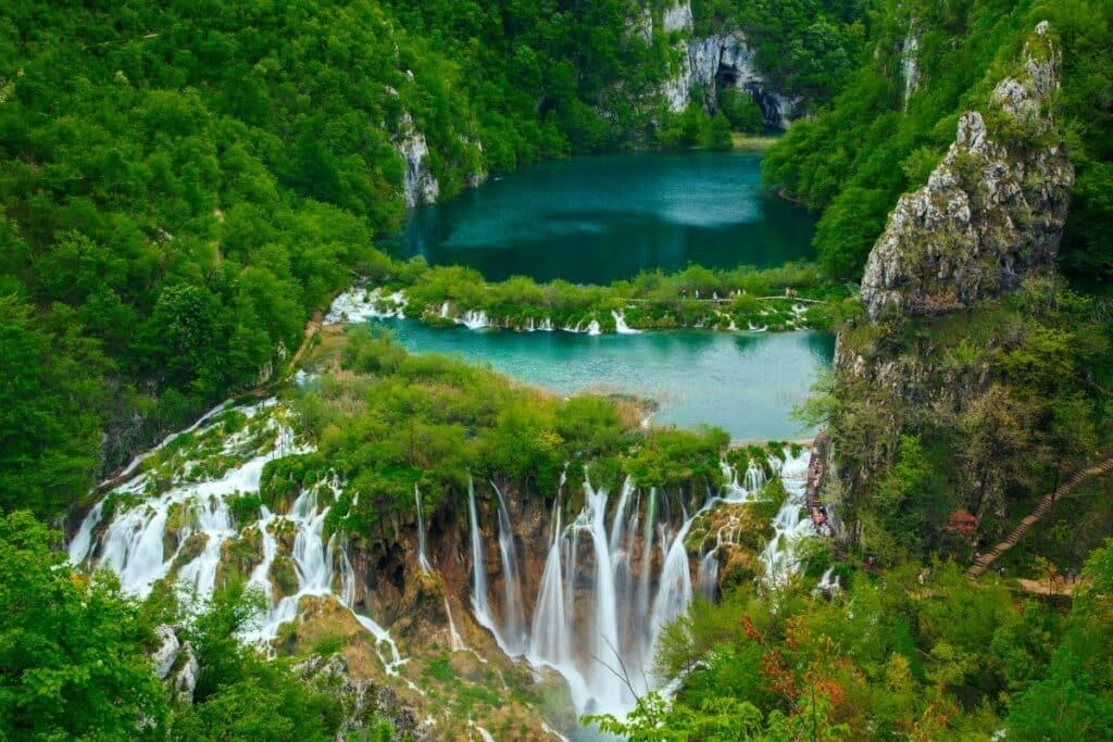 meren en watervallen in het nationaal park Plitvice, Kroatië