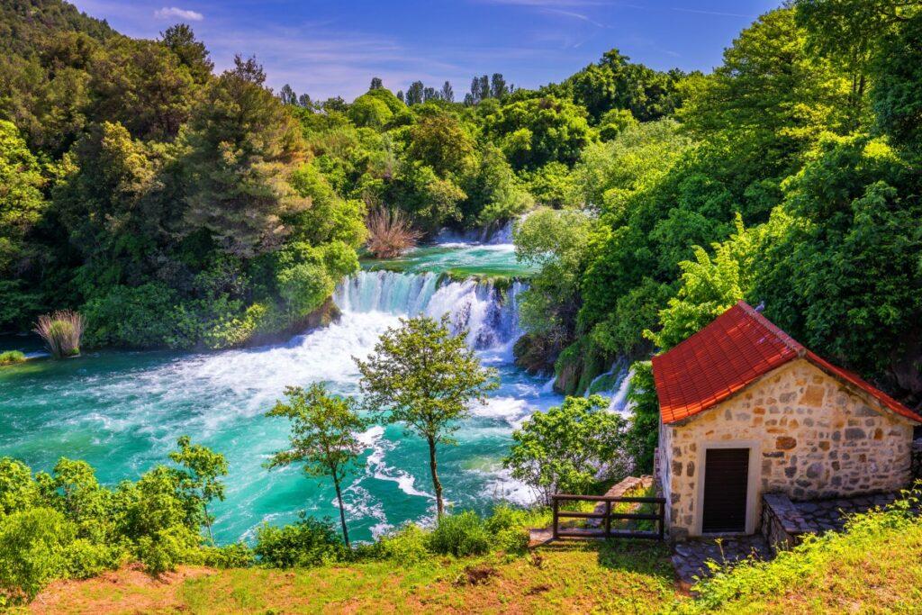 Roški slap waterval in Kroatië